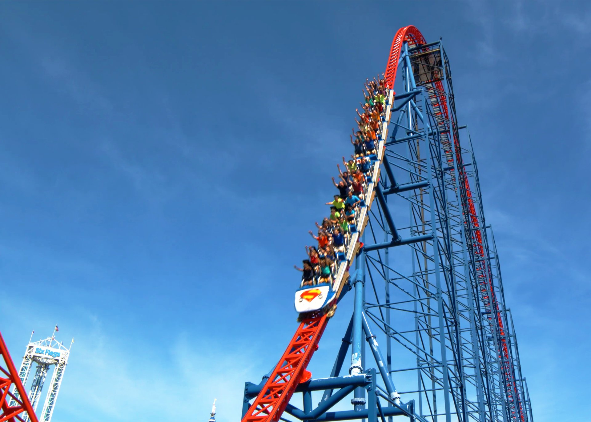 SUPERMAN™ The Ride | Six Flags New England