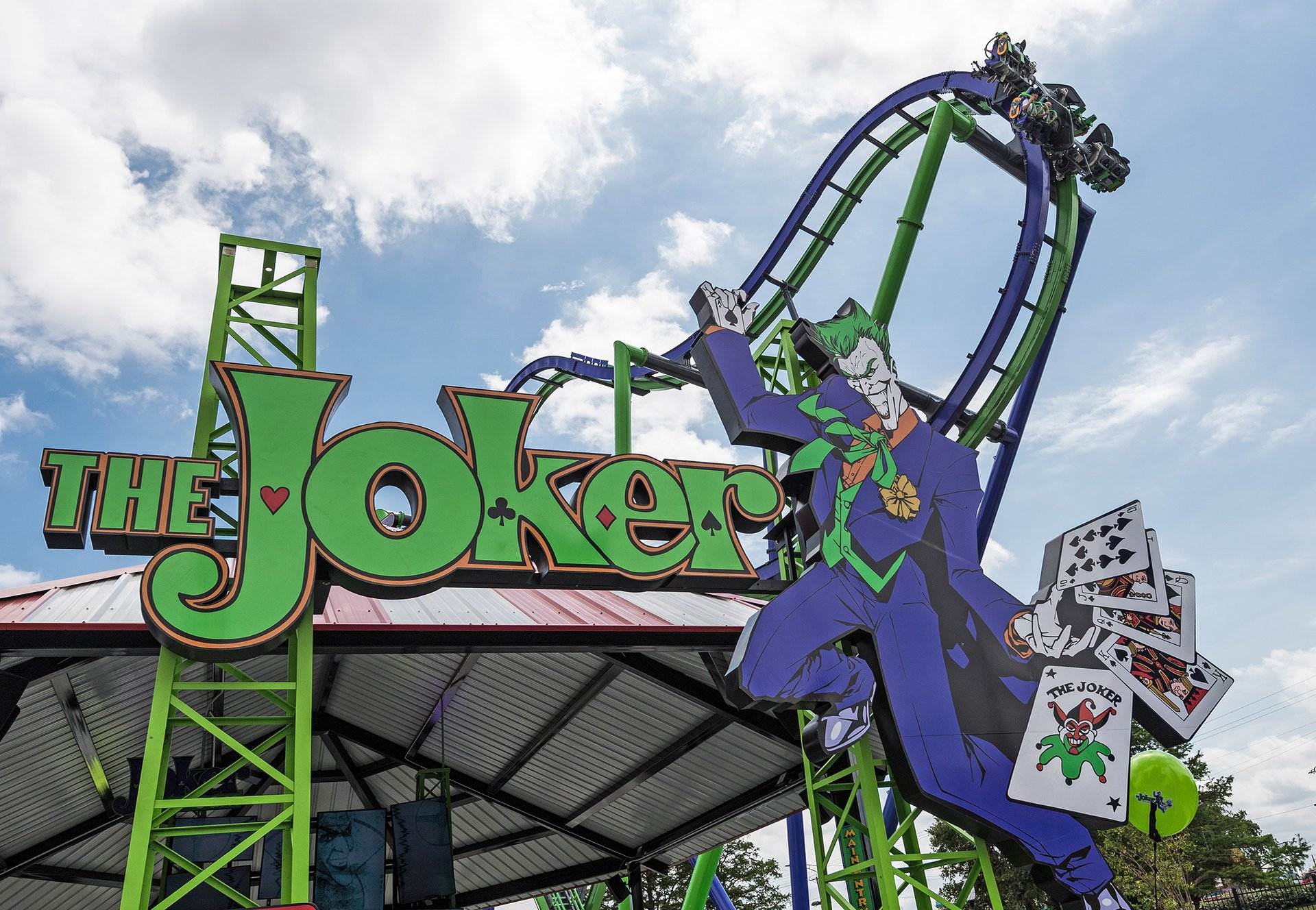 In the slide show above, you'ver viewing pictures of Six Flags Over Texas in the Dallas-Ft. Worth suburb of Arlington. You'll surely enjoy the selection of Six Flags Over Texas rides and attractionsthere's something fun for every age from toddlers to teens and parents & grandparents, too!
