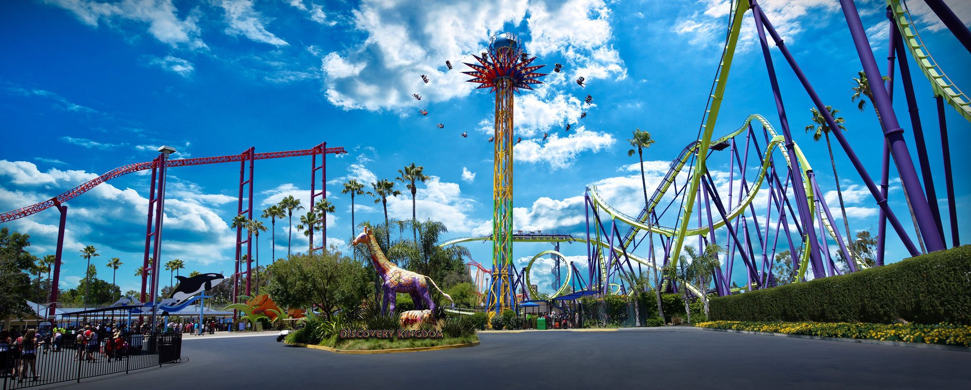 New York/New Jersey's biggest, most popular theme park featuring dozens of thrill rides, shows, and activities (Jackson, NJ).