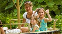 Happy family on Joyeux Moussaillons