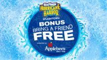 splashing water with apple