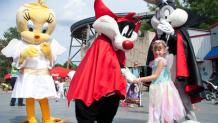 LOONEY TUNES characters in halloween costumes with guest