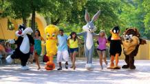 LOONEY TUNES Characters and Guests