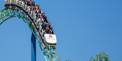 Guests riding Shock Wave