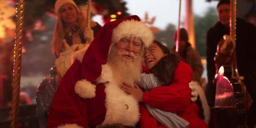 Kid meeting with santa