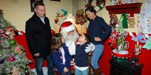 santa with family