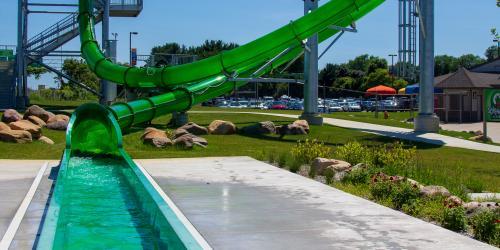 Screaming Lizard water slide at Magic Waters