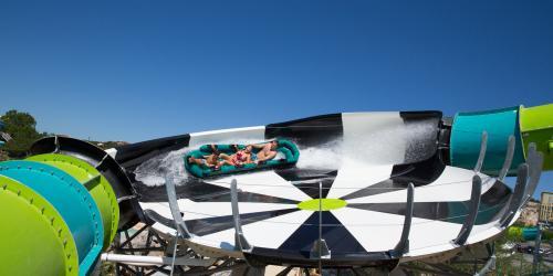 Tsunami Surge turn at Six Flags Great America