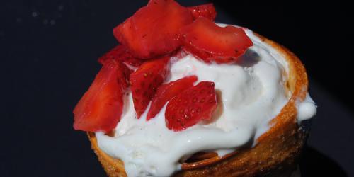 Conewich with Vanilla Ice Cream and Strawberries