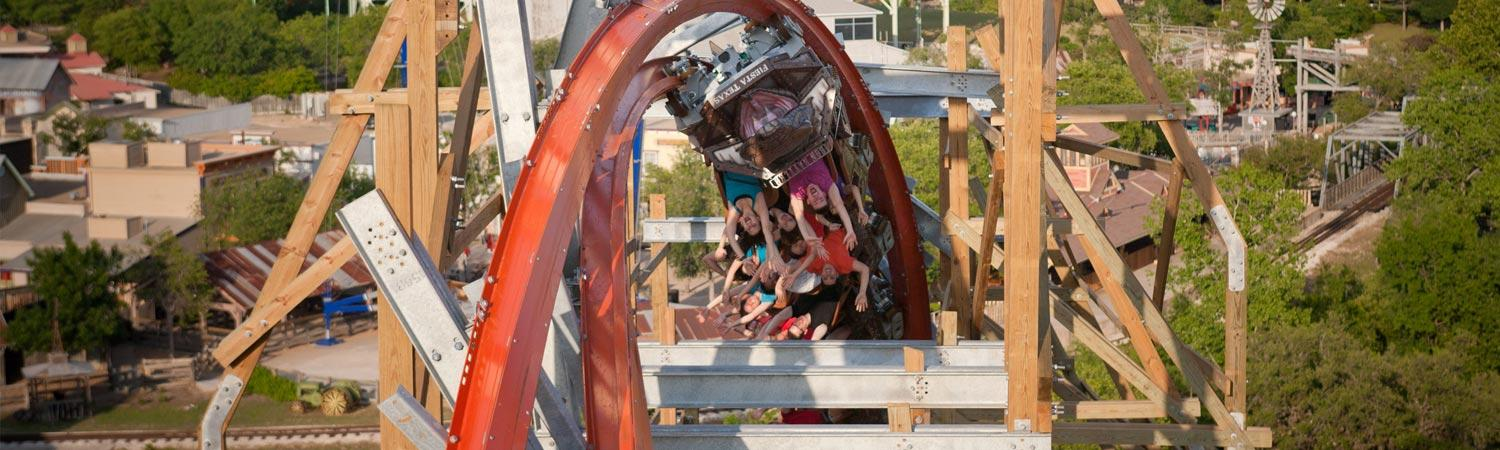 Guests upside down on Iron Rattler