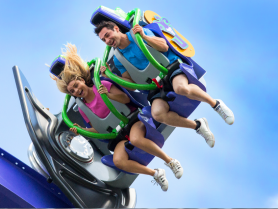 THE JOKER Free Fly Coaster guests riding