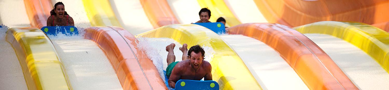 Aqua Racers con gente