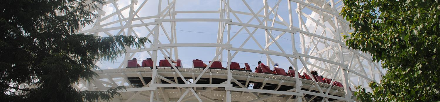 Thunderbolt wooden coaster at Six Flags New England