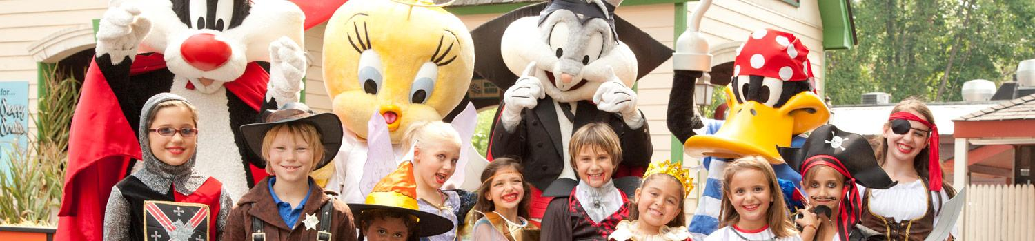 Halloween Looney Tunes & tiny spooky guests