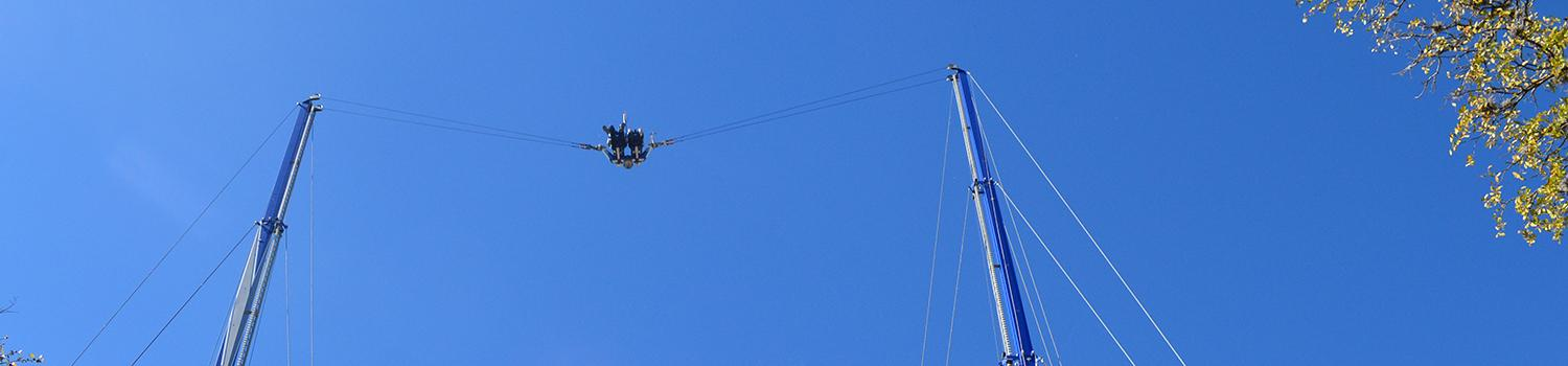 Guests flying in the sky on the Texas Gunslinger